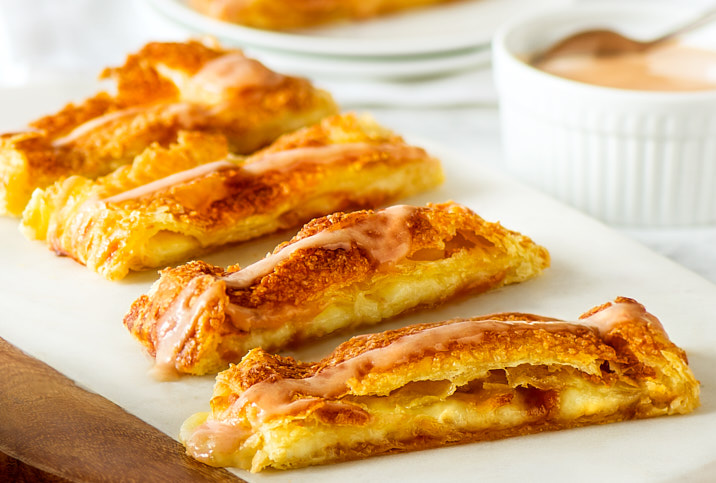 GUAVA & CHEESE STUFFED PASTRY