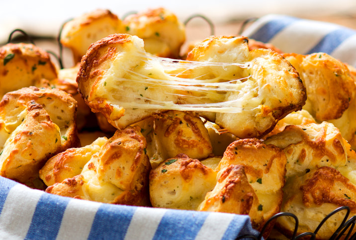 CHEESE AND GARLIC BISCUITS