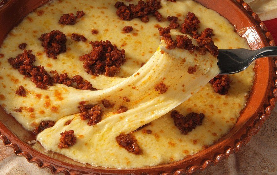 Cheese fundito with carntias