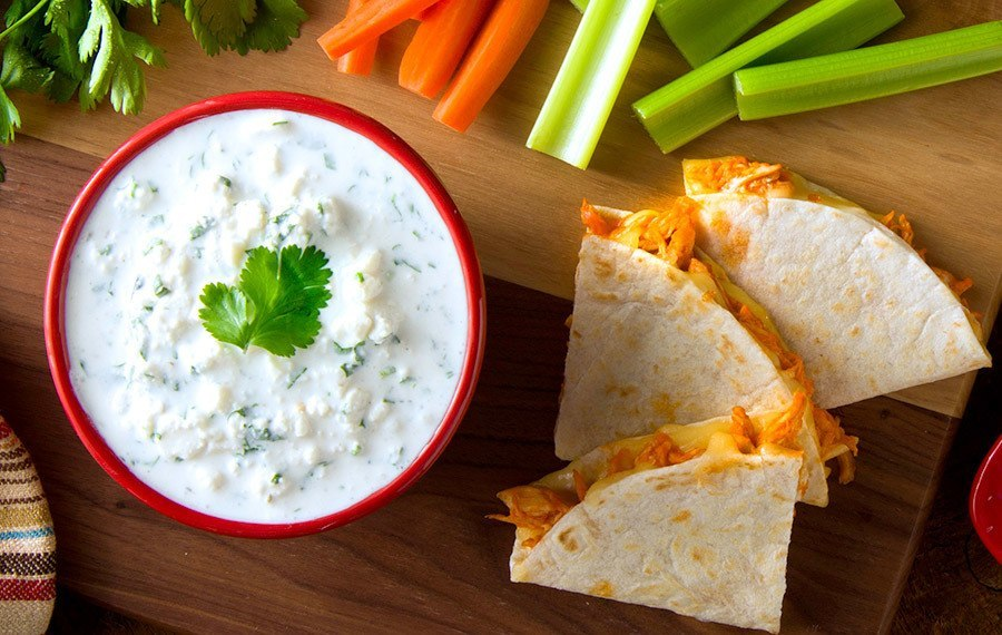 how to make creamy cheese sauce with shredded cheese