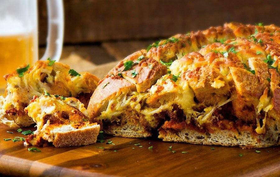 Pan con Chorizo y Queso