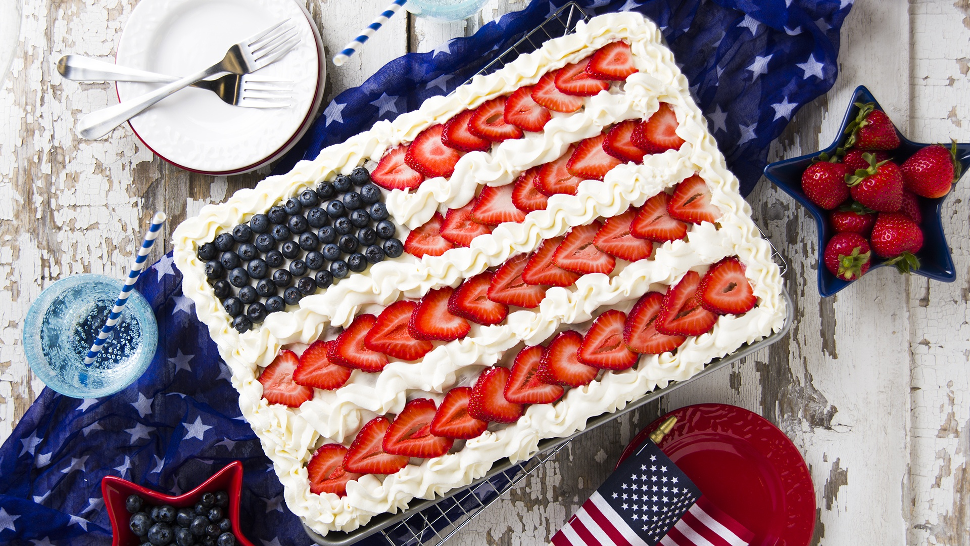 Celebrate Independence Day with this mouthwatering Chocolate Flag Cake sure to leave a lasting impression on your guests!