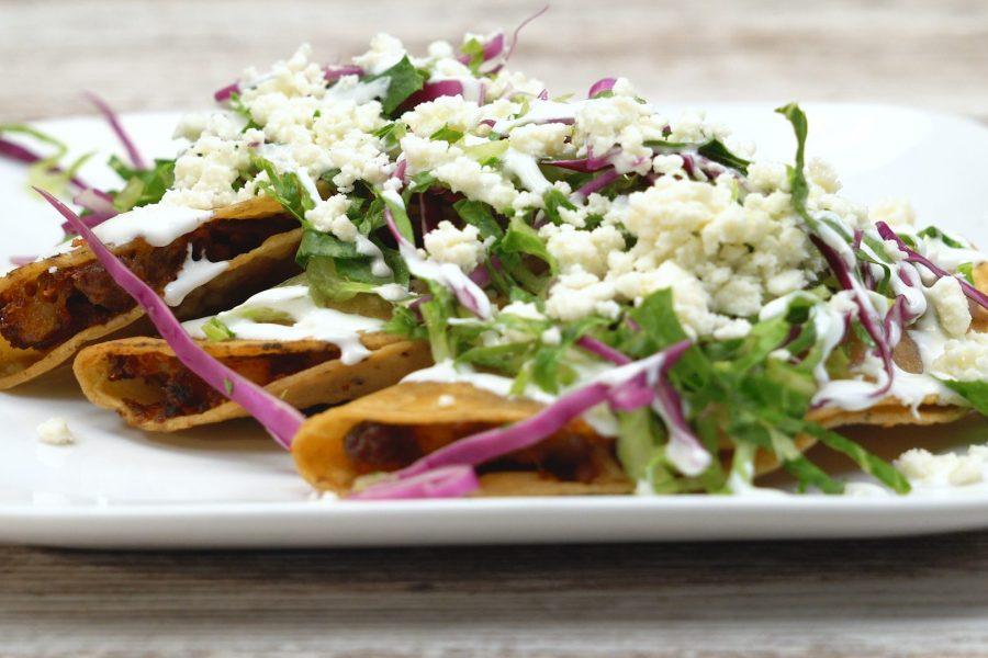 Tacos Dorados de Carne Molida y Chorizo
